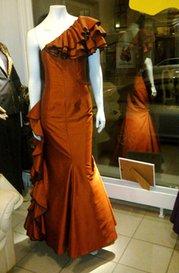 Mansa Syateljé & Boutique - röd festklänning